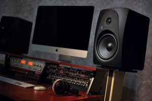 Sterling MX8 Monitors Black
